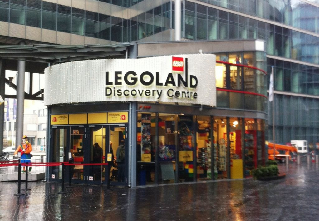 Legoland entrance in Berlin © Wikimedia Commons